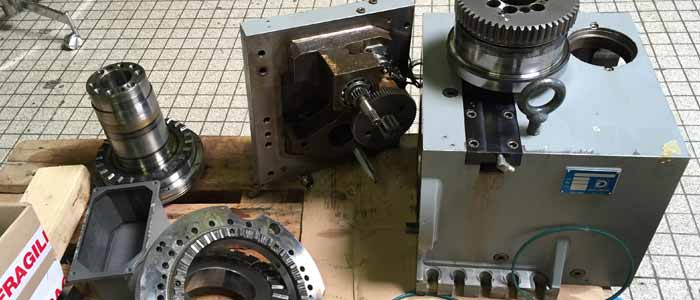 tourelle machine outil demontée pour réparation